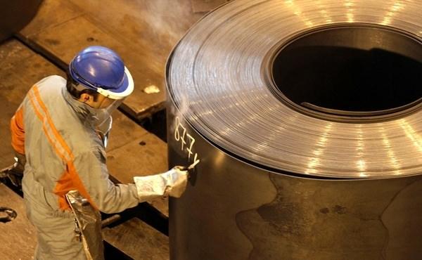 افزایش قیمت آهن و فولاد با وجود رکود فصلی